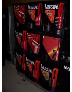 Automat na kávu nescafe